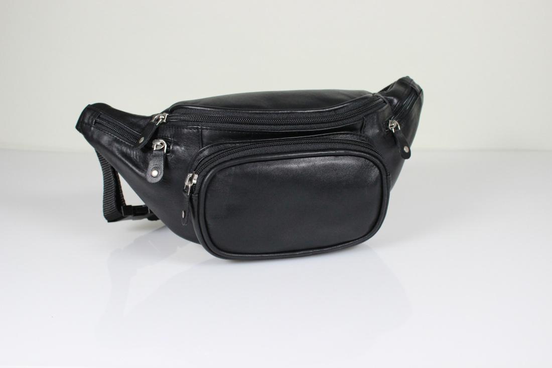 gro e leder g rteltasche bauchtasche von branco in schwarz. Black Bedroom Furniture Sets. Home Design Ideas